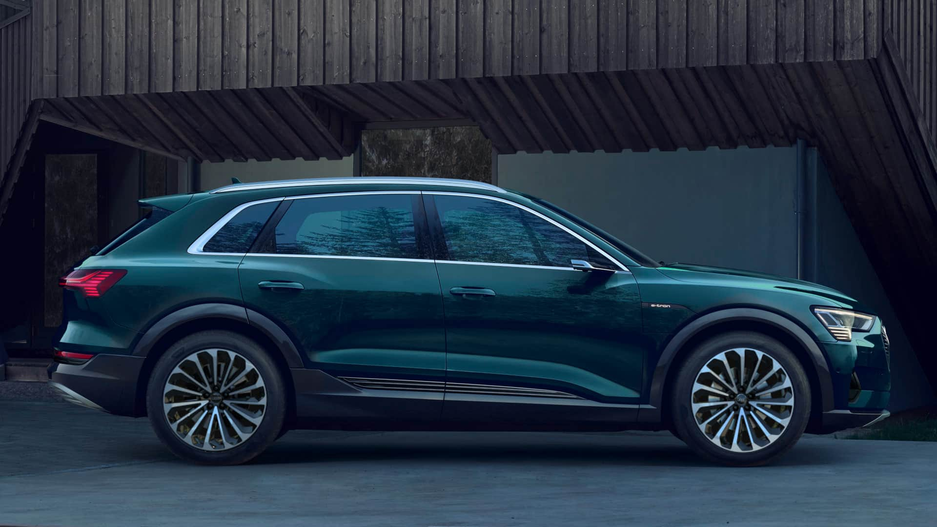 Audi e-tron Galaxy Blue